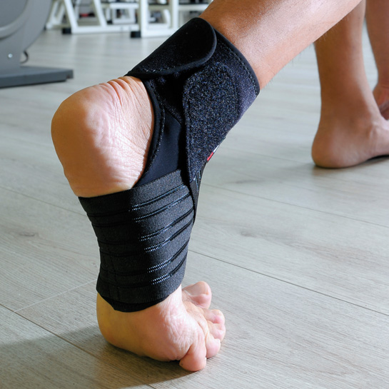 8LIGHT - Nero - Cavigliera elastica con bendaggio a 8