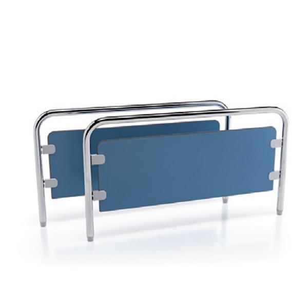 A1811 - Spalle a estrazione rapida, struttura in acciaio cromato, pannelli in laminato plastico.