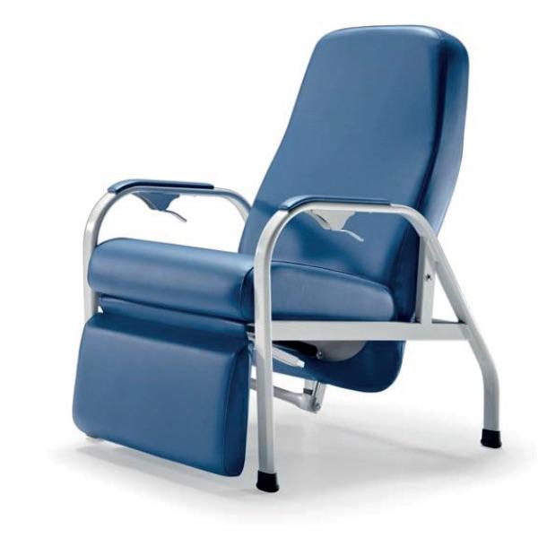 Poltrona Relax – E415 - Poltrona relax con struttura in acciaio, con poggiagambe e movimentazione a gas.