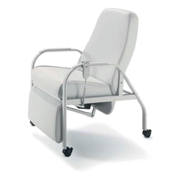 Poltrona Relax – E416 - Poltrona relax con poggiagambe, movimentazione elettrica. 4 ruote con freno.