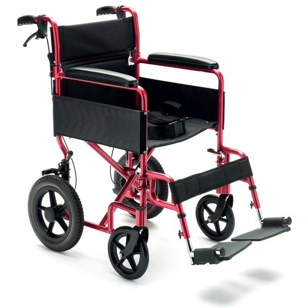 N25 - Carrozzina manuale da transito pieghevole in alluminio. Il peso è di 12,5 kg, la capacità di 115kg.